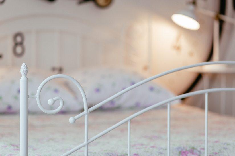 bed-bedroom-blur-305557